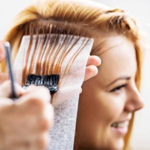 Care future mamme dite addio ai vostri capelli con un antiestetica  ricrescita…anche in gravidanza infatti vi sarà permesso tingervi i capelli  in tutta ... e01880d7deb6